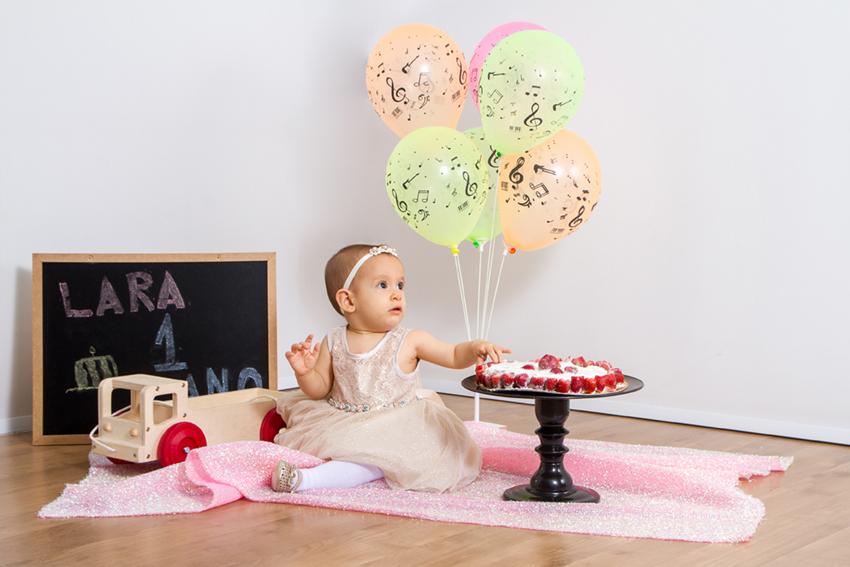 criança em ensaio fotográfico smash the cake
