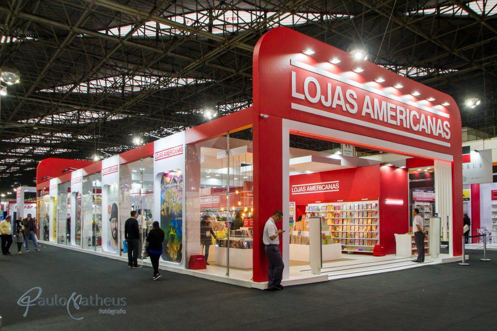 estande da Lojas Americanasem feira de negócios em São Paulo