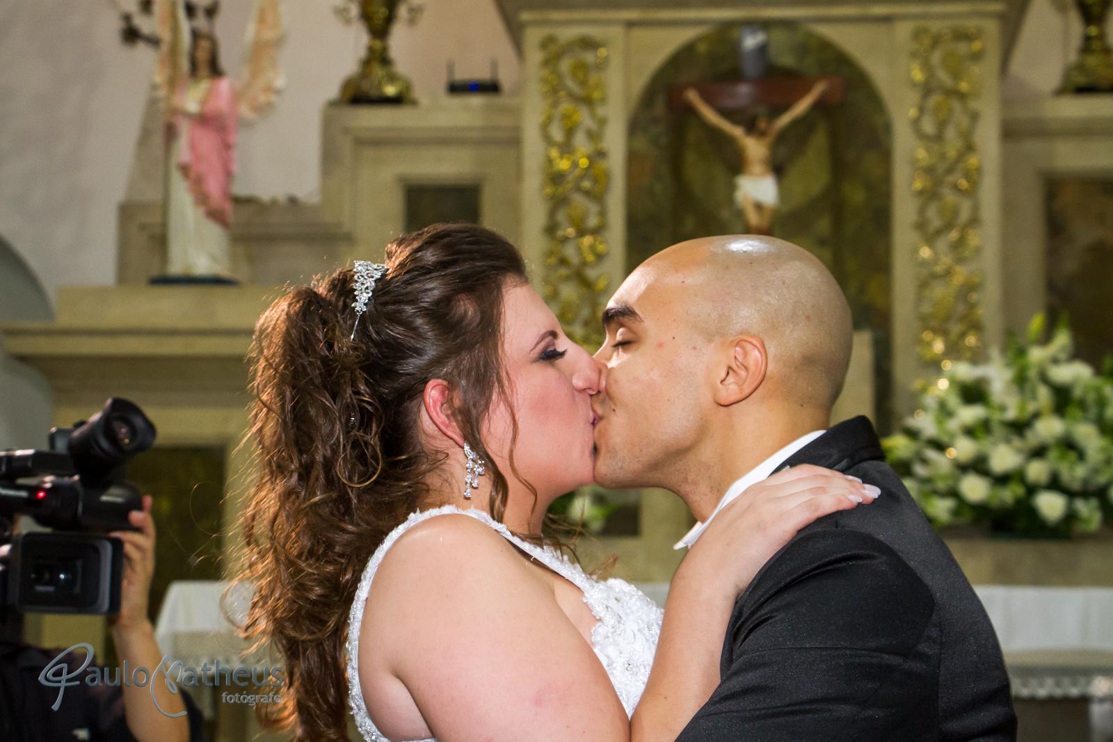 beijo do casal por fotógrafo de casamento no abc Paulo Matheus