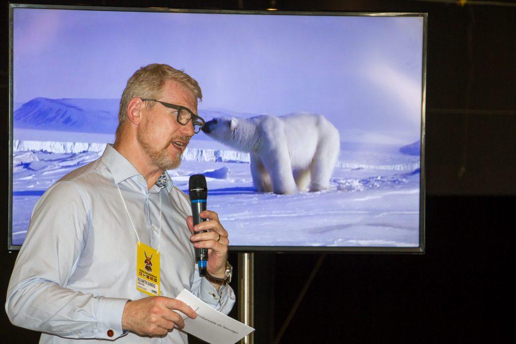 embaixador da Noruega, Nils Martin Gunneng na Feira Escandinava em São Paulo