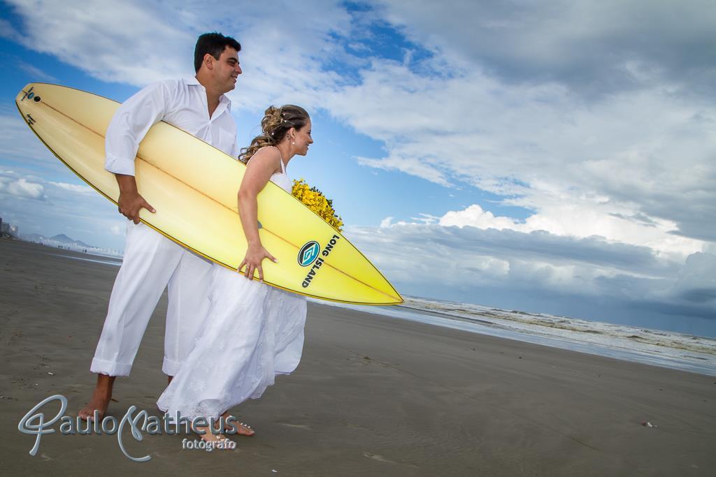Fotografia de casamento na praia pelo fotógrafo Paulo Matheus