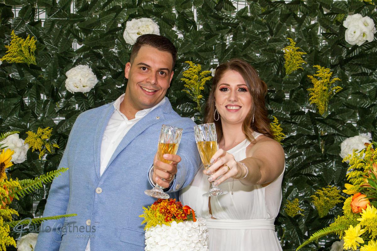 Brinde do casal para o fotógrafo de casamento em Guarulhos