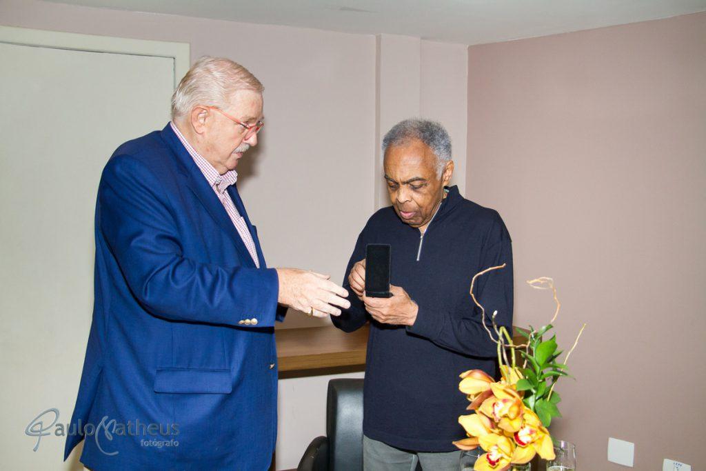 Fotógrafo de evento corporativo registrou o cantor Gilberto Gil em homenagem