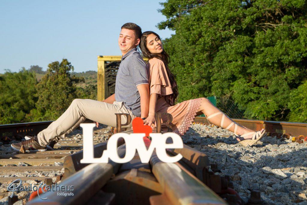 romantyicos em ensaio fotográfico para casal