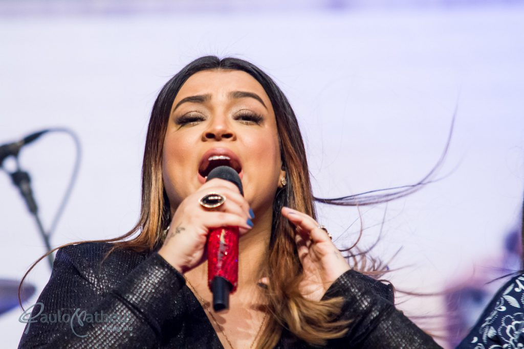 Cantora Preta Gil fotografada pelo fotógrafo de empresa Paulo Matheus