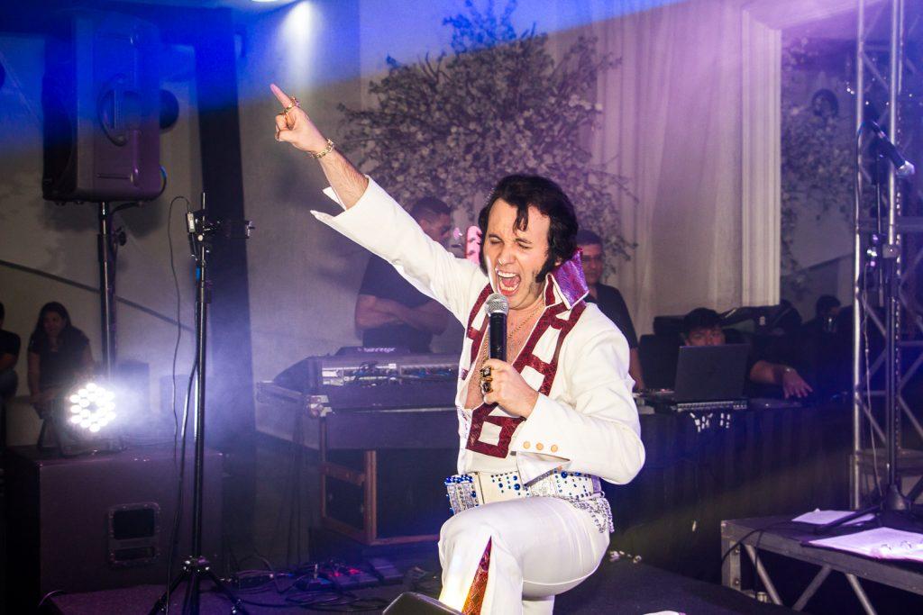 Festa de confraternização de funcionários da Rio Branco com Elvis Presley por Paulo Matheus