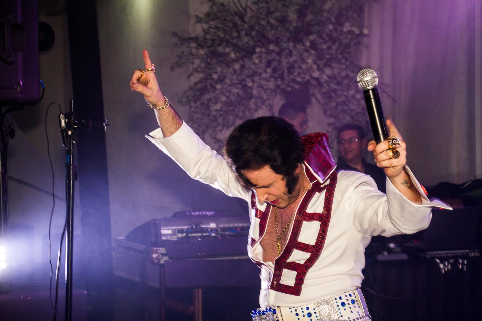 Elvis - Erik Lunghin na Festa de Confraternização da Rio Branco