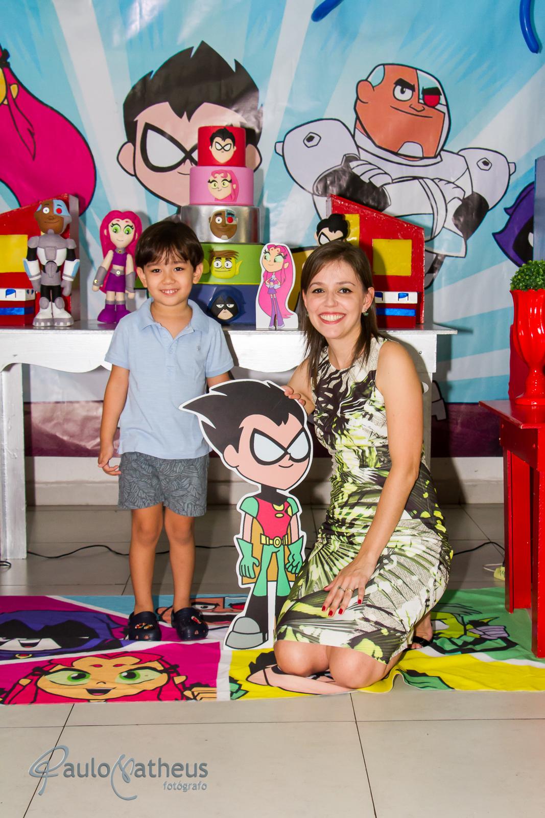 Fotografia de Davi com a mamãe em festa de aniversário infantil no abc