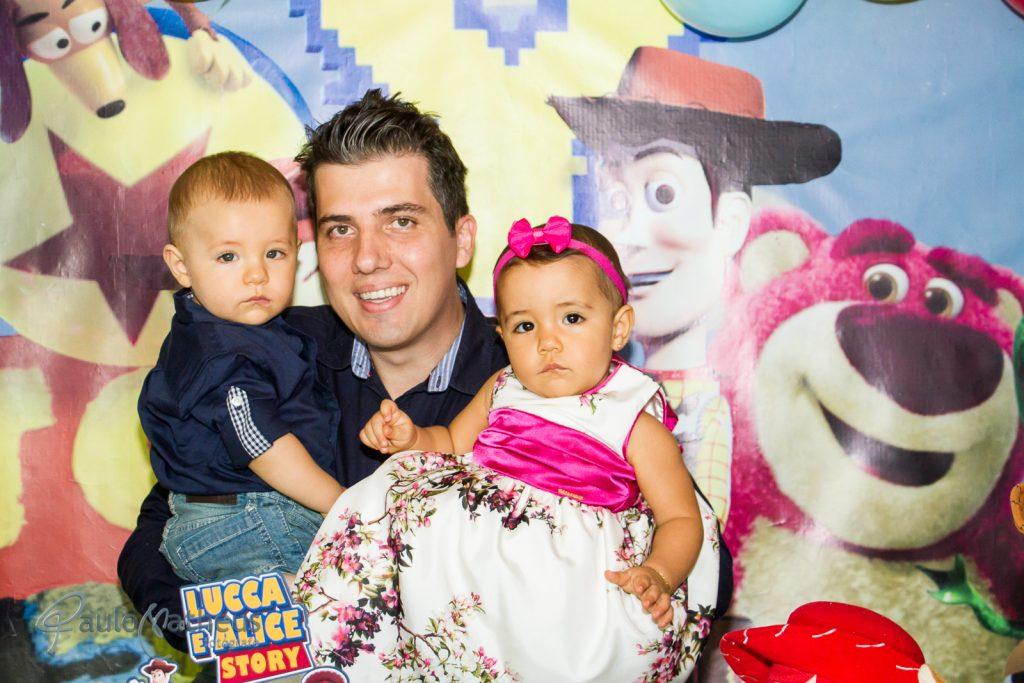 Fotografia com o papai na festa de aniversário infantil