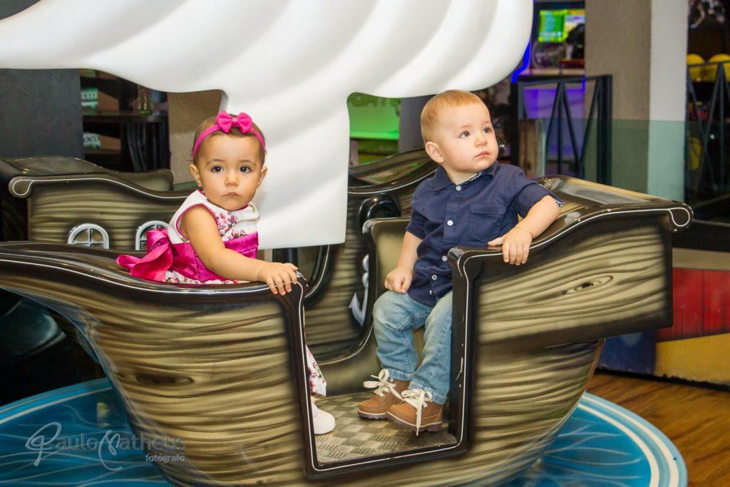 Fotografia no barco em festa de aniversário infantil