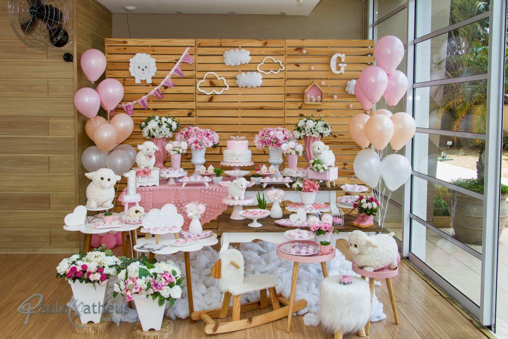mesa de decoração de festa de um ano